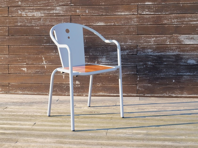 Stackable garden chair with armrests LIBELO by Adico