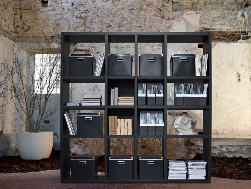 Tall office shelving LIBRO by Sinetica