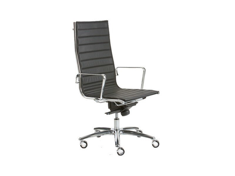 Height-adjustable high-back executive chair with 5-spoke base LIGHT | High-back executive chair by Luxy
