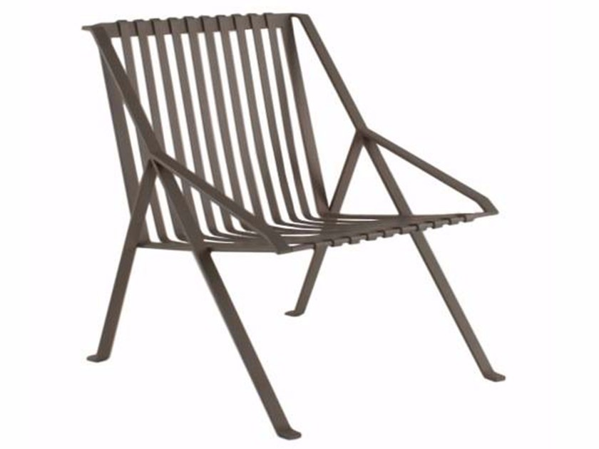 High-back metal garden chair with armrests LINE | Garden chair by Efasma