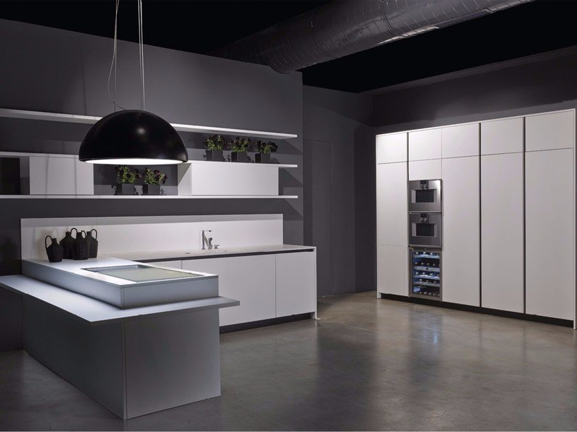 Lacquered kitchen with peninsula LINE | Kitchen with peninsula by RIFRA