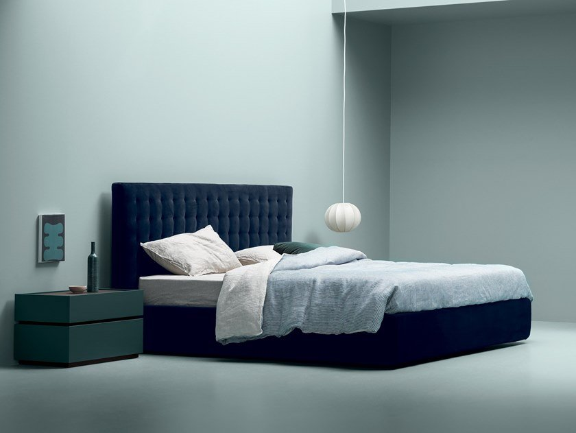 Velvet bed with tufted headboard LINE by Md House
