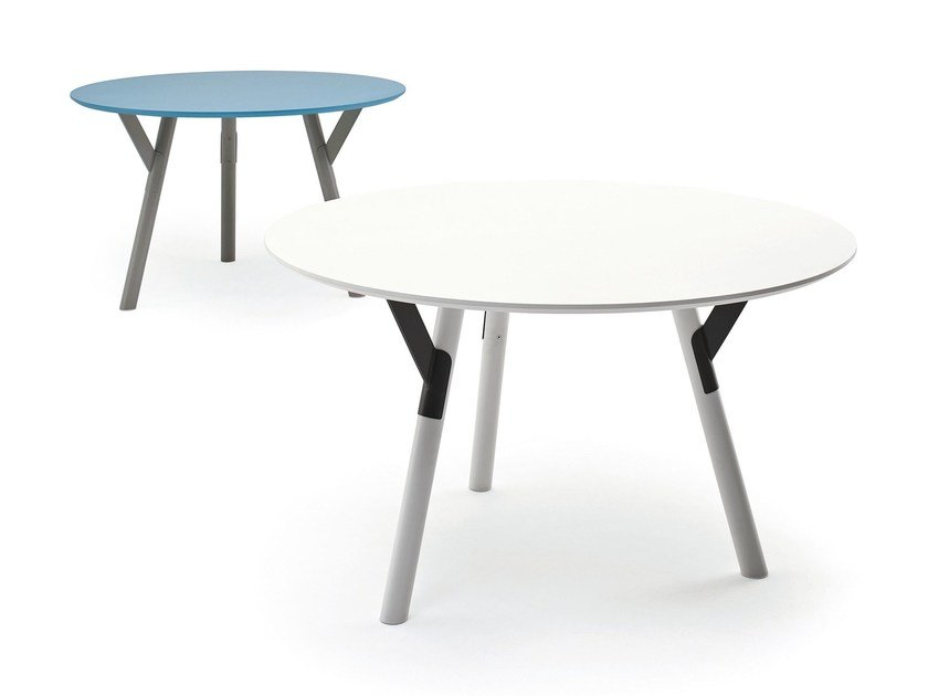 Round HPL table LINK | Round table by Varaschin