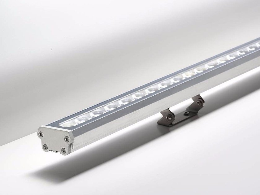 outdoor led light bar lira by puraluce