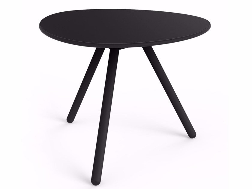 Triangular garden side table LITTLE LOW A-LOWHA by Lonc