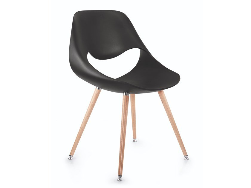 Plastic chair and beech legs LITTLE PERILLO XS | Plastic chair by ZÜCO