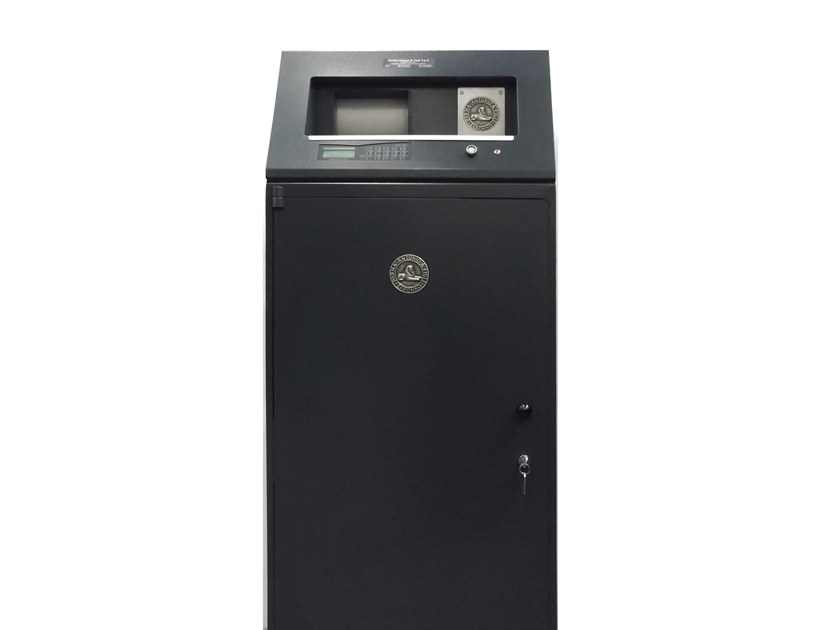 Floor standing electronic Safe with key LOBBY by Parma Antonio & Figli