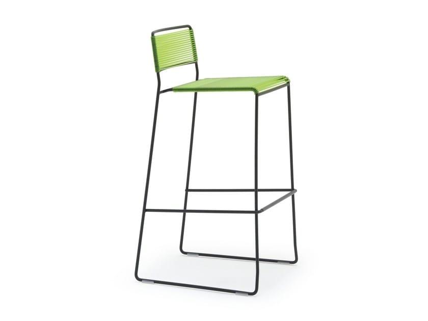 High garden stool with back LOG SPAGHETTI ST by arrmet