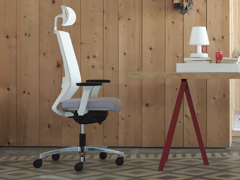 Executive chair with headrest with castors LOGICA | Executive chair by Linea Fabbrica