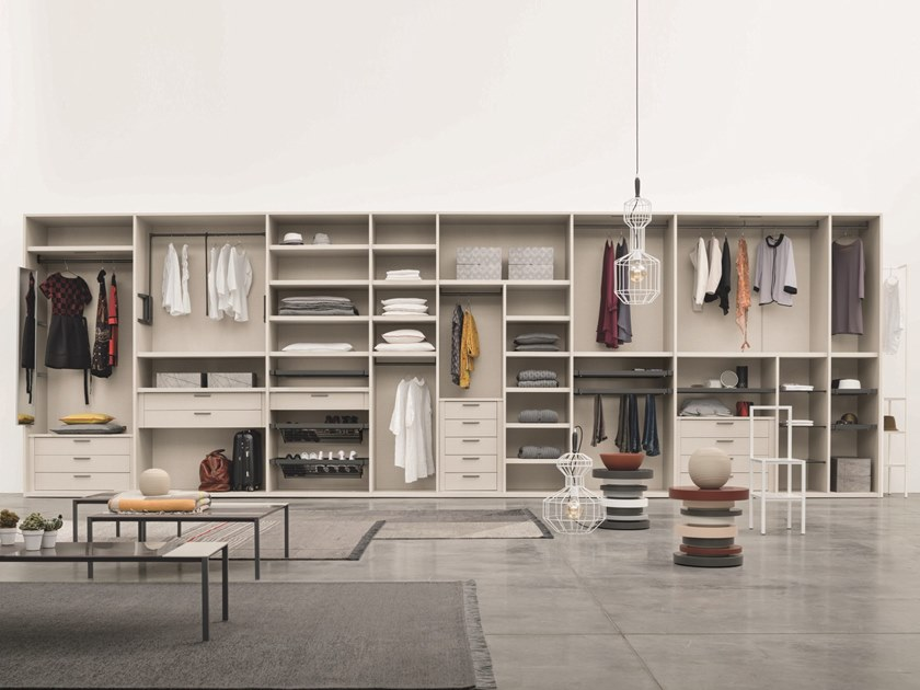 Sectional wooden walk-in wardrobe LOGICA by Gruppo Tomasella