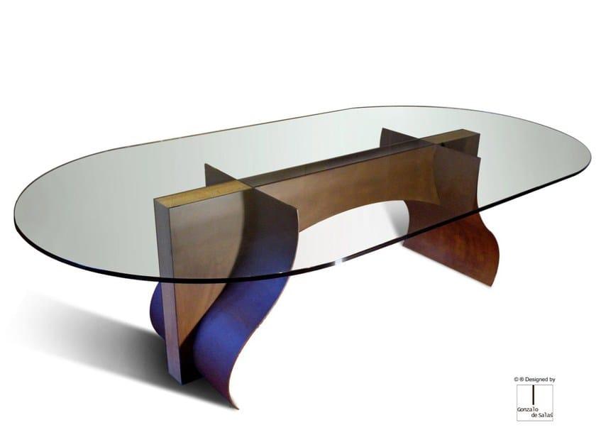 Oval glass table LOIRA by Gonzalo De Salas
