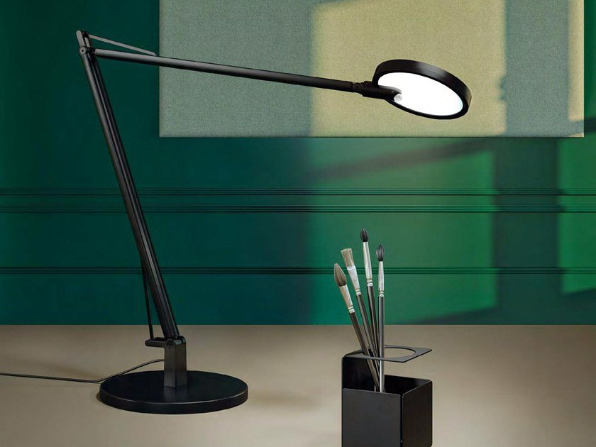 Lampe de bureau led orientable loola by manade