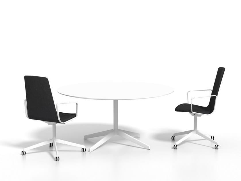 Round aluminium dining table LOTTUS AL | Round table by ENEA
