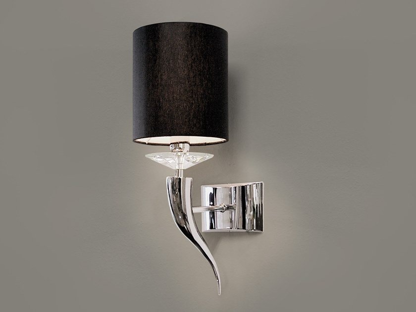 Metal wall lamp with fixed arm LOVING ARMS W1 by ILFARI