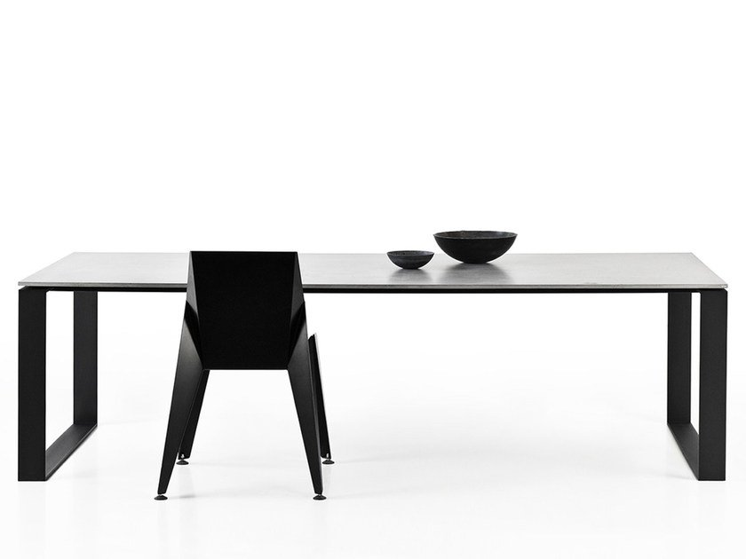Concrete table LUCCA by Gravelli