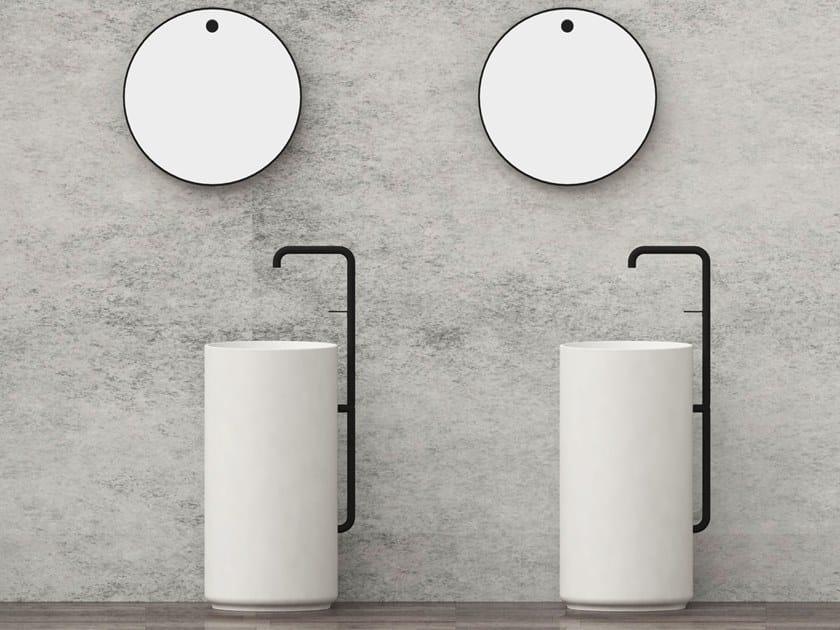 Lavabo freestanding rotondo con rubinetto integrato LUCKY 7 | Lavabo by JUSTIME