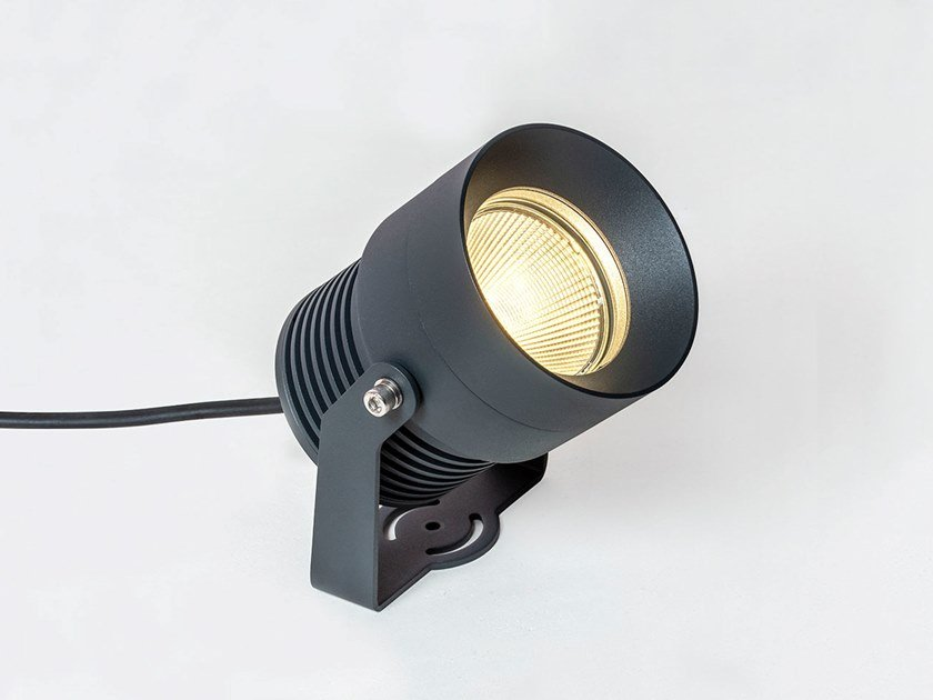 LED adjustable aluminium Outdoor floodlight LUK L by HER