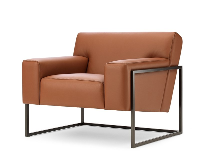 Sled base leather armchair with armrests LX382 | Armchair by LEOLUX LX