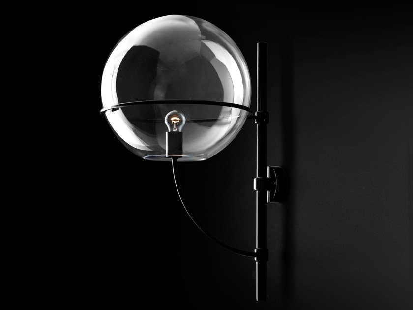 Direct light polycarbonate wall lamp LYNDON - 160 by Oluce