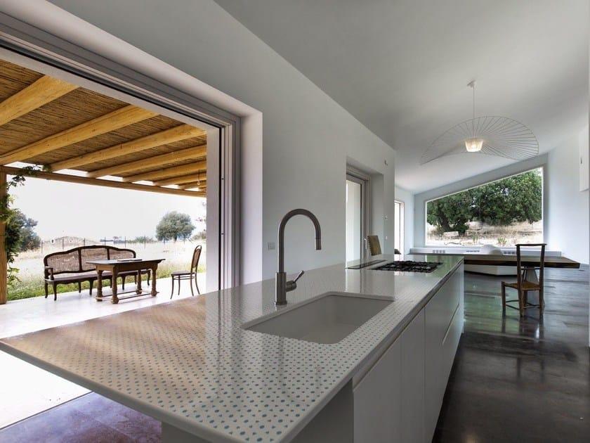 PUNTOACAPO | Top cucina in pietra lavica By Sgarlata