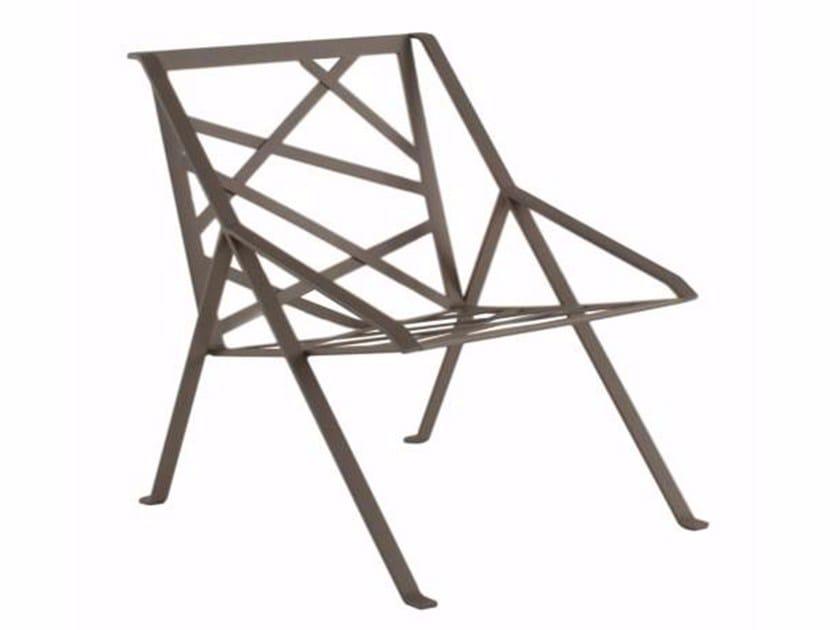 Sedia da giardino in metallo con schienale alto con braccioli LINE-X by Efasma