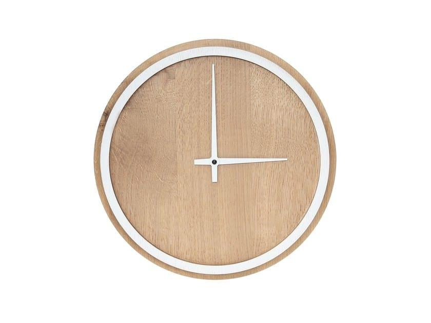 Wall-mounted oak clock MADERA | Oak clock by Otono Design