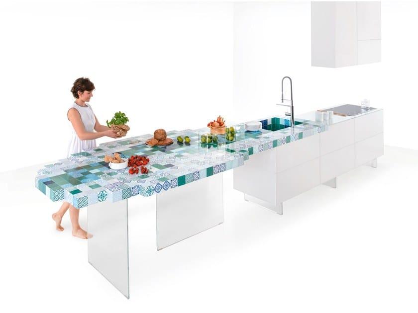 Cucina lineare su misura in ceramica 36E8 MADETERRANEO   Cucina con isola by Lago