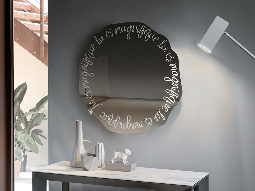 Round wall-mounted mirror MAGNIFIQUE by RIFLESSI