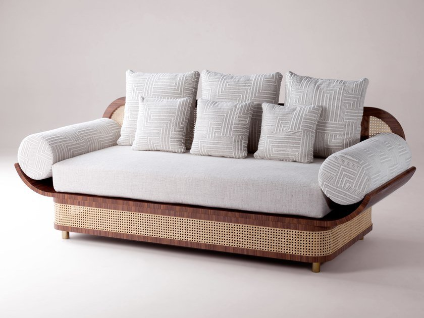 Rattan sofa MAJESTIC by DOOQ