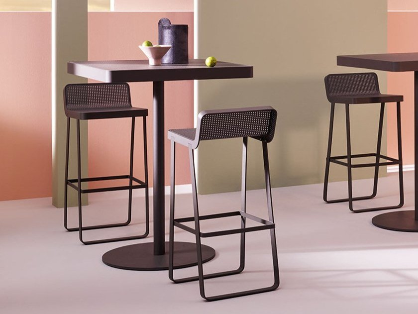 High aluminium garden stool MAKEMAKE   Aluminium stool by Terraforma