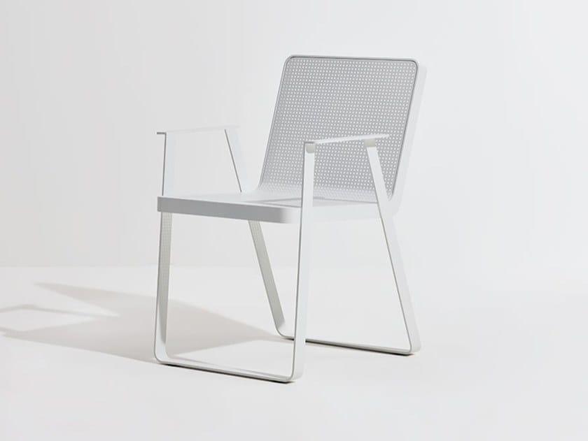 Sedia da giardino in alluminio con braccioli MAKEMAKE | Sedia in alluminio by Terraforma