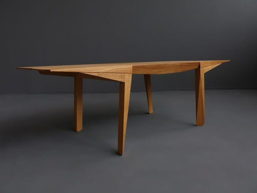 Tavolino da caffè in legno massello MANGATA by HOOKL und STOOL