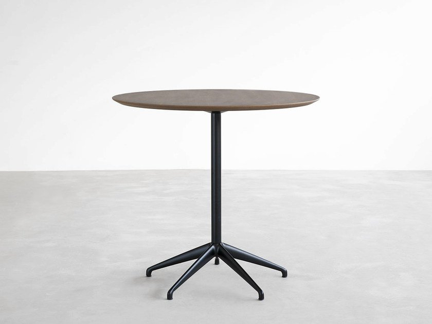 Round table with 4-star base MAREA | Wooden table by STUA