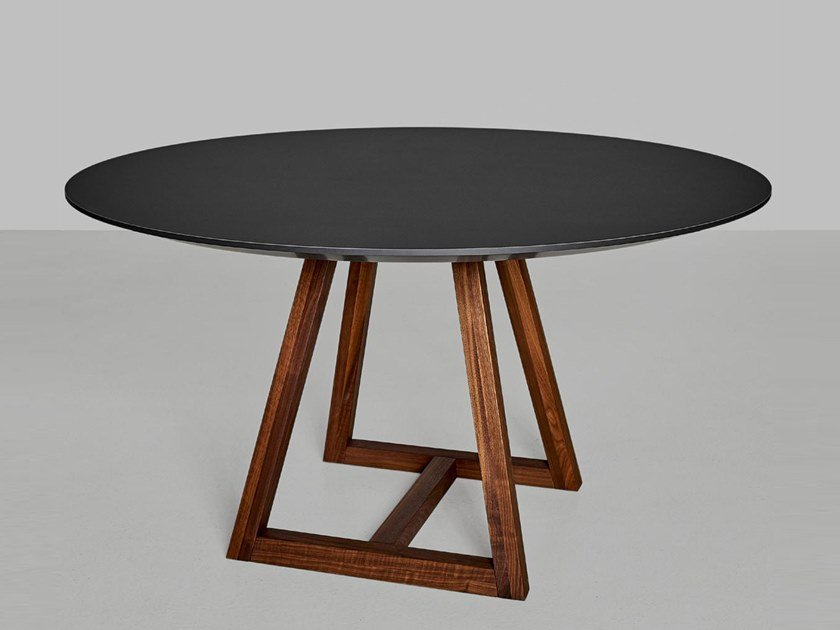 Round linoleum table MARGO | Round table by Vitamin Design