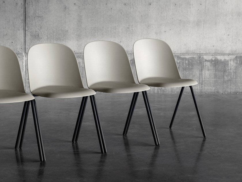 Stackable polypropylene training chair MARIOLINA CONFERENCE by Miniforms