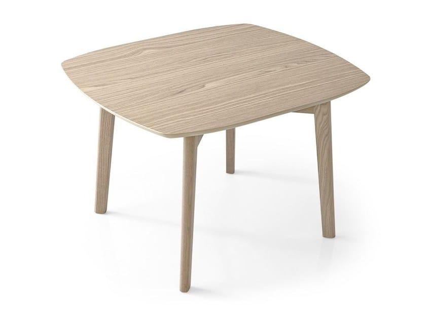 Tavolino quadrato in frassino MATCH | Tavolino quadrato by Calligaris