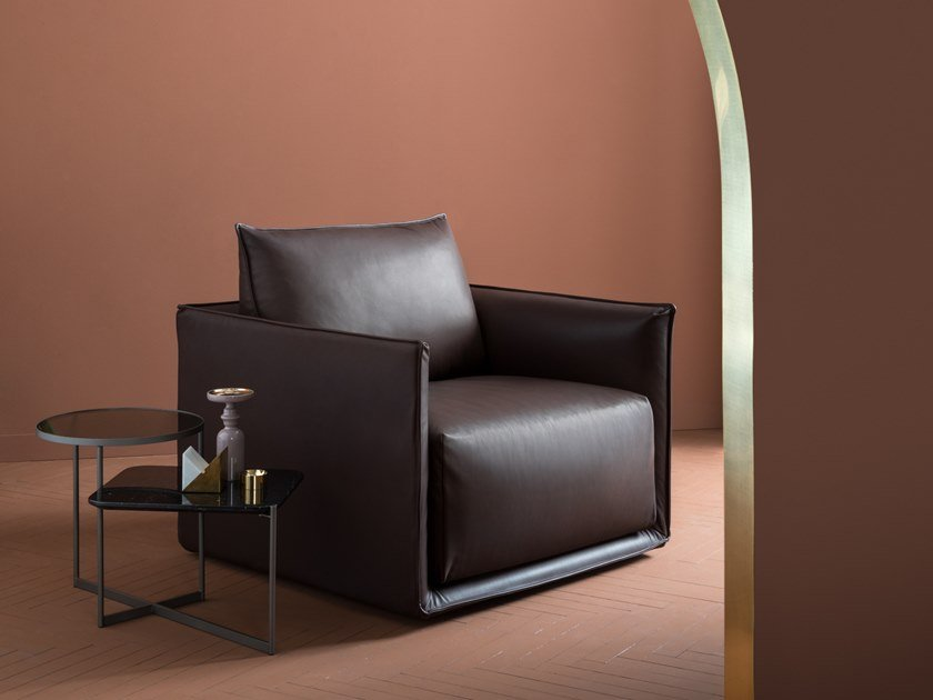Leather armchair with armrests MAX   Armchair by SP01