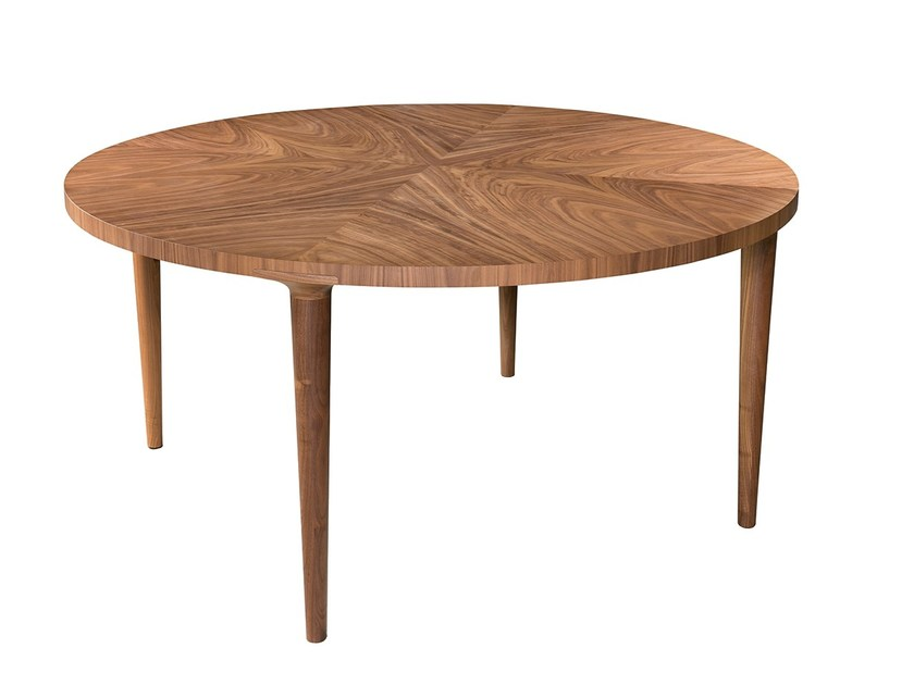 Round dining table MECO by Branco sobre Branco