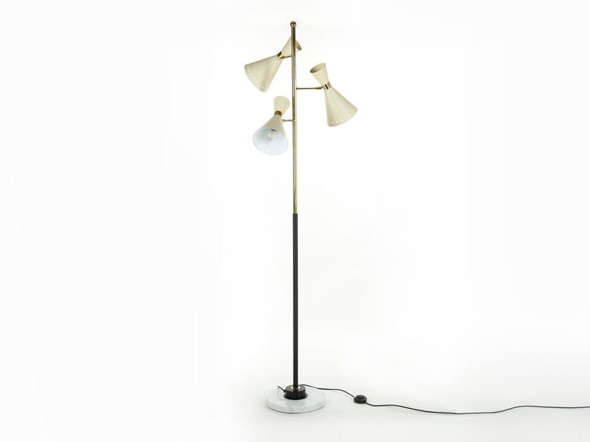 Brass floor lamp MEGAFONO - C2020 | Floor lamp by Stilnovo
