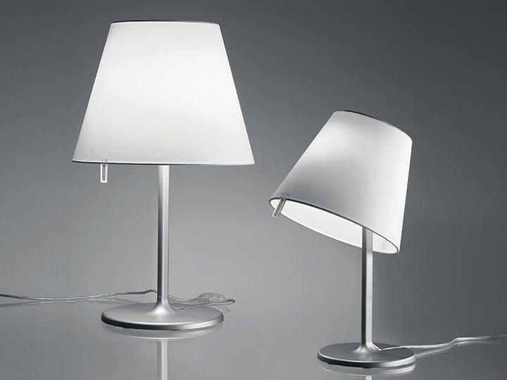 https://img.edilportale.com/product-thumbs/b_MELAMPO-TABLE-Artemide-Italia-100227-rel1ff7dbd0.jpg