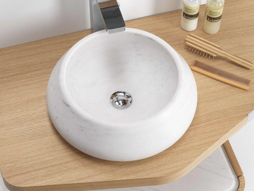 Countertop round natural stone washbasin MEN{H}IR | Countertop washbasin by L'antic Colonial