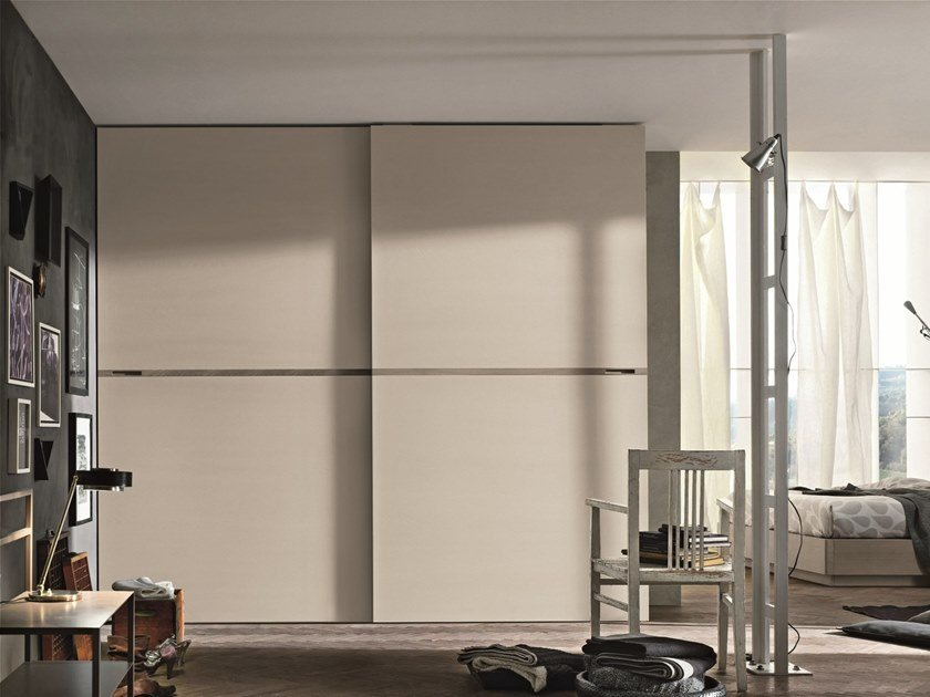 Lacquered wardrobe with sliding doors MERIDIANA by Gruppo Tomasella
