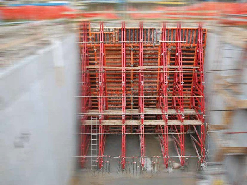 Formwork system for load-bearing wall MF Earth-retaining system by Condor