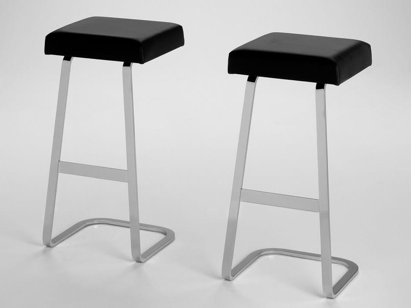 High steel stool MI76 | High stool by Matrix International