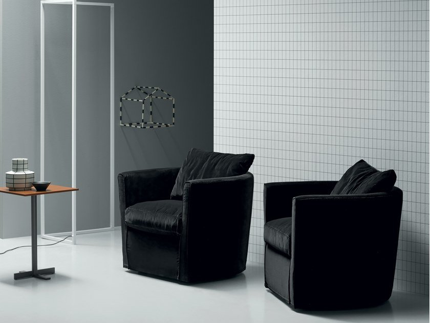 Velvet armchair with armrests MIA by Md House