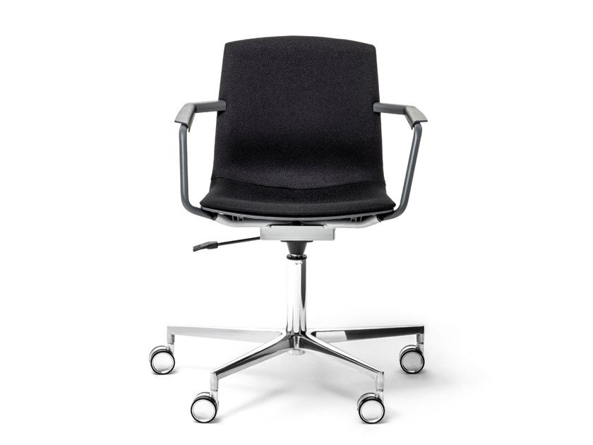 Swivel chair with 5-spoke base with armrests MIA | Swivel chair by Mara