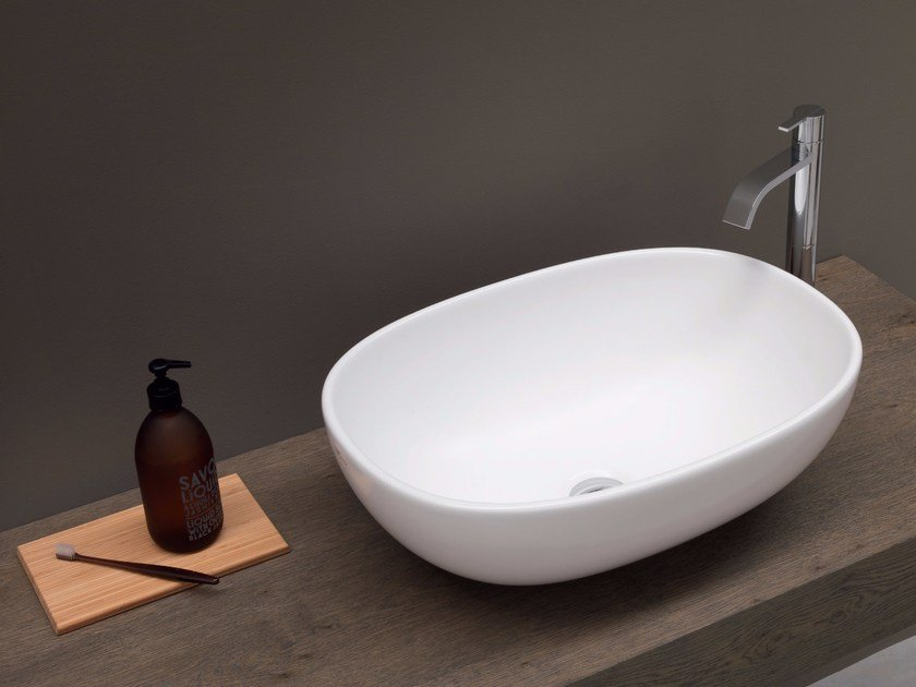 Countertop ceramic washbasin MILK | Countertop washbasin by Nic Design
