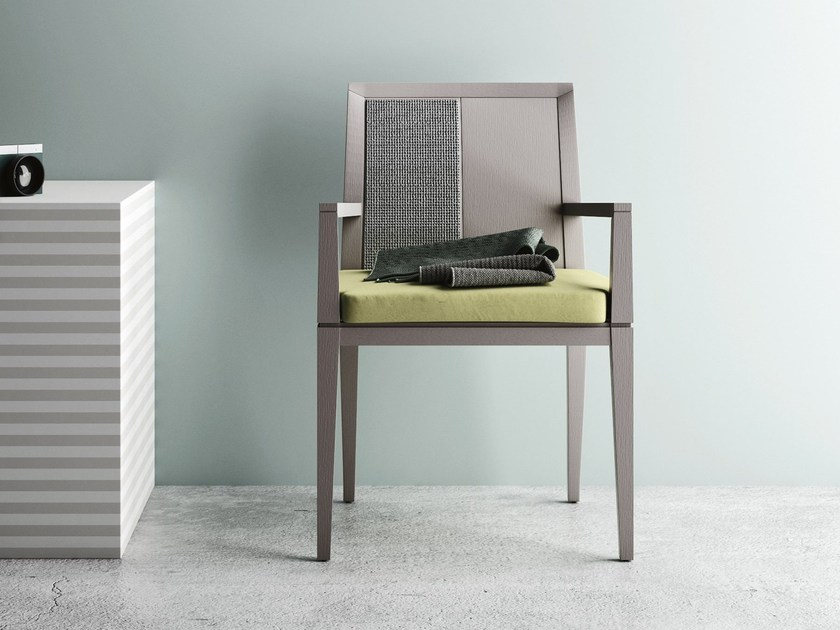 Oak guest chair with armrests MINUETTO P by Imperial Line