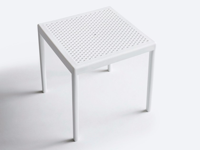 Square technopolymer coffee table MINUSH | Coffee table by GABER