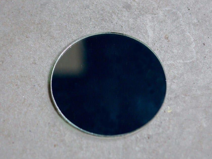 Magnetic mirror MIRROR ROUND by Anne Linde
